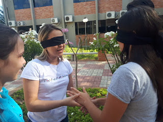 'Vendo com as Mãos' - Atividade incentiva alunos de Enfermagem do CES a refletirem sobre a pessoa cega no cotidiano