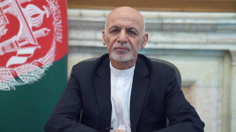 El presidente Ashraf Ghani abandonó Afganistán y los talibanes se preparan para tomar el poder