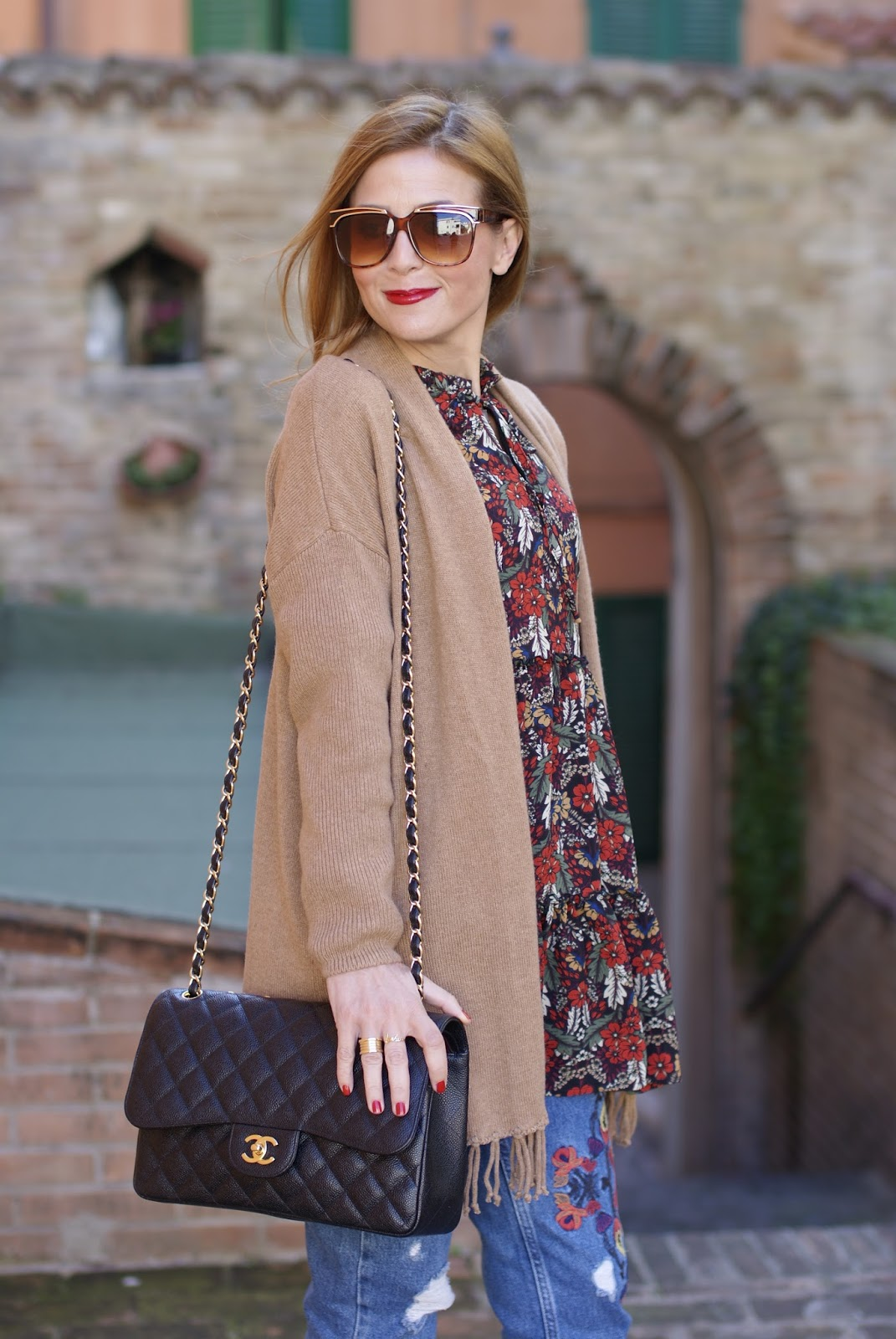 1.2.3 Paris fringed camel cardigan, Chanel 2.55 bag on Fashion and Cookies fashion blog, fashion blogger style