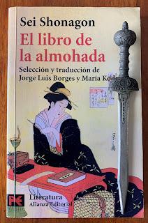 Portada del libro El libro de la almohada, de Sei Shonagon