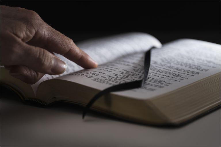 O Que a Bíblia Diz Sobre a Masturbação