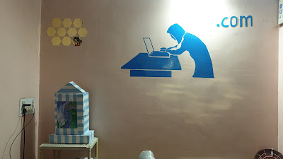 Simple Ideas To Do Wall Painting By Yourself For Office Cabin