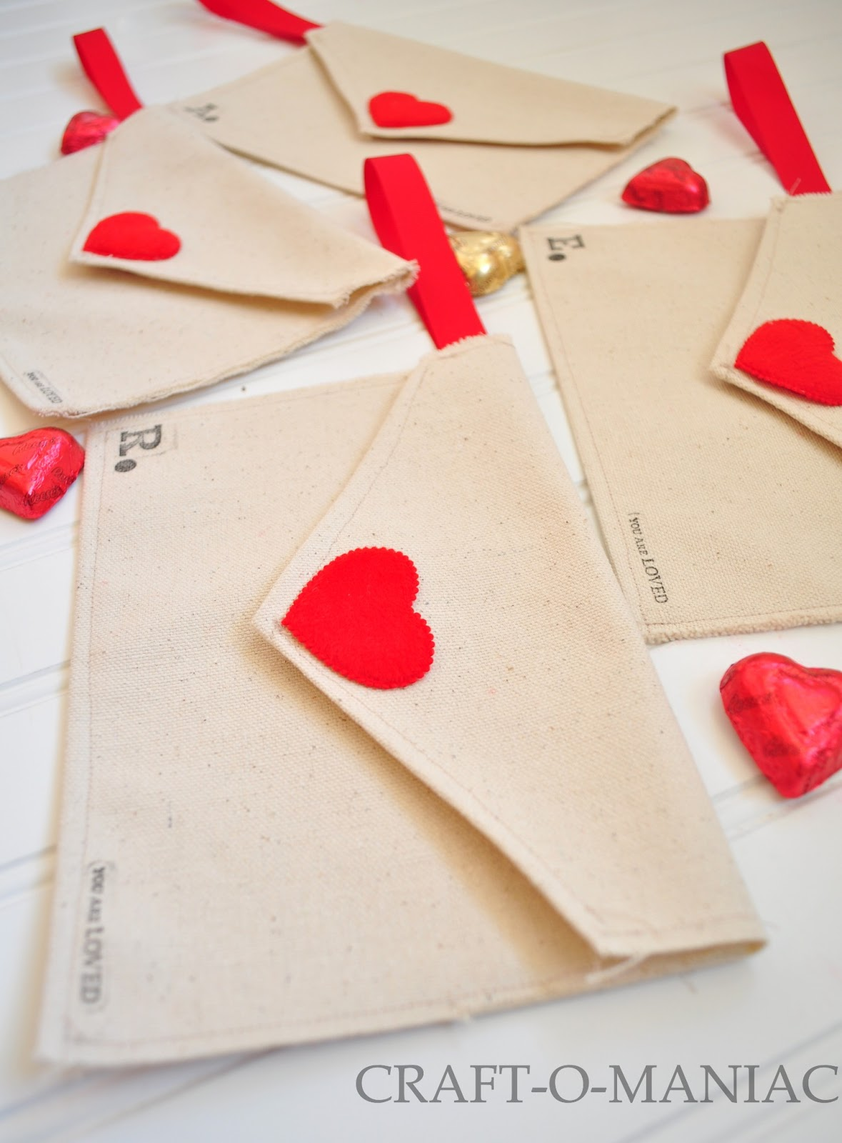 Diy Valentine Fabric Envelopes And Use Them For A Valentine Advent
