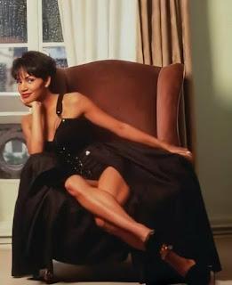 Hollywood Actress Halle Berry Photos