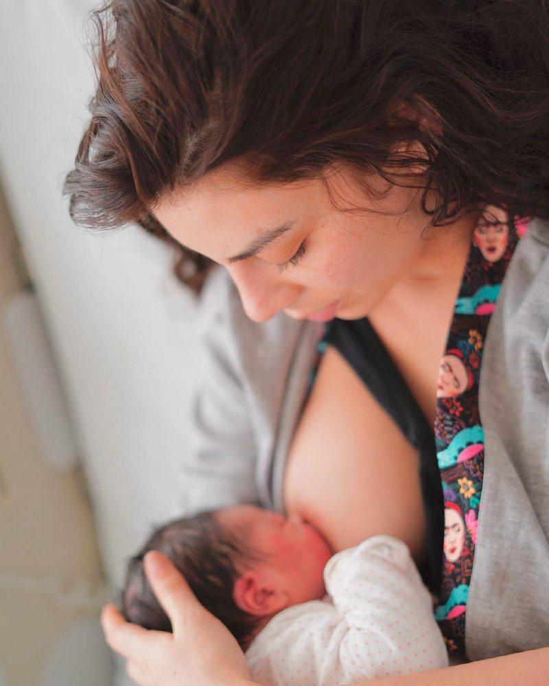 Kathy Contreras explica por qué su parto casero terminó en la clínica