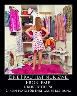 Lustiges Motivations Bild mit Text Frau vor Kleiderschrank