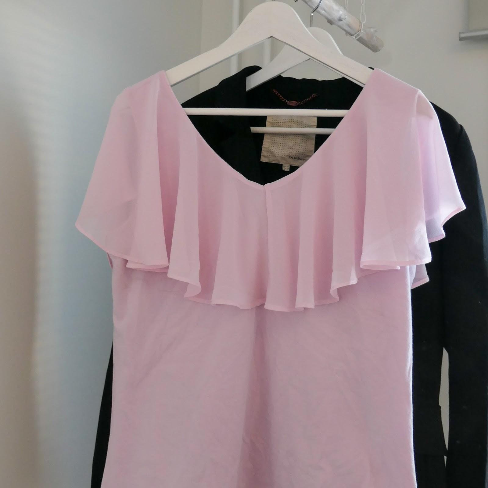 Vaaleanpunainen Vilan paita