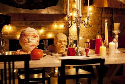 Ideas for the Halloween table: how to decorate it in a scary way 4