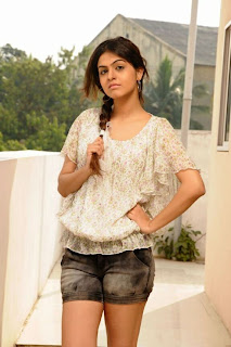 WWW.BOLLYM.BLOGSPOT.COM Actress Shoba in Mini Jeans Images Picture Stills Gallery 0007.jpg