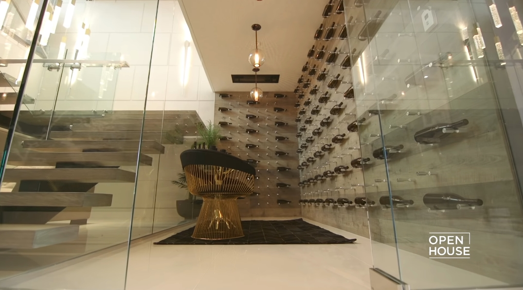 55 Photos vs. Tour 800 N Tigertail Rd, Los Angeles, CA Ultra Luxury Home Interior Design