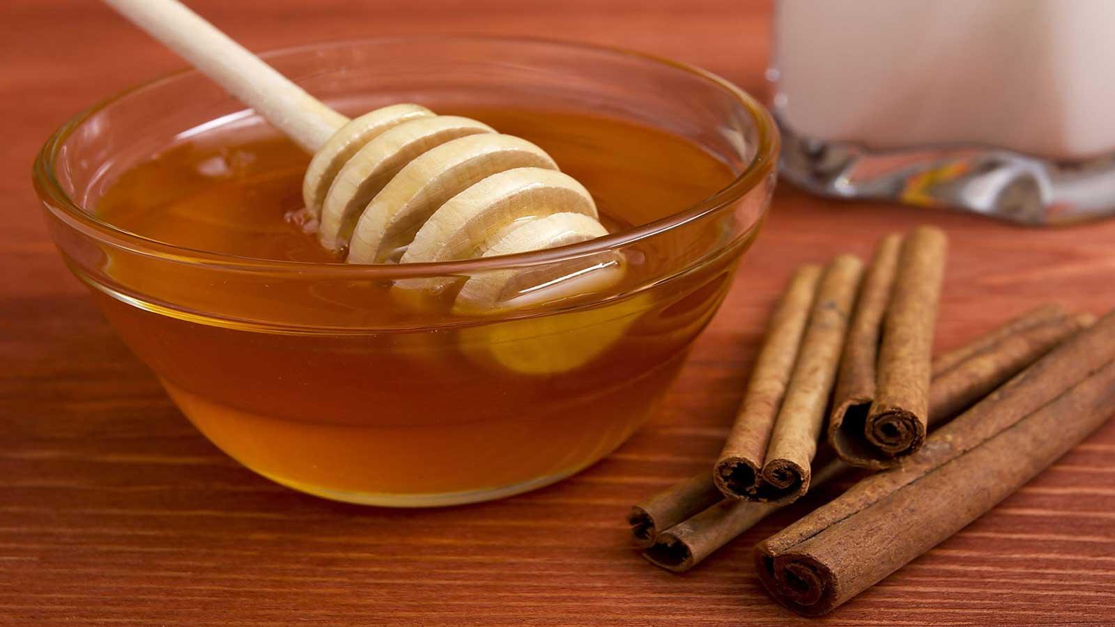 Bienfaits pour la santé du miel et de la cannelle