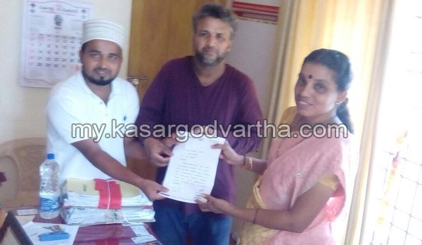 Kerala, News, Kasaragod, Uliyathadukka, Memorandum, Demand for Clean Drainage; Memorandum submitted to Panchayat President.