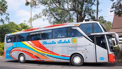 Foto Bus Rosalia Indah SHD126