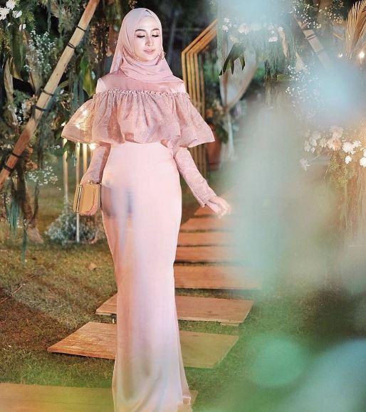 Kebaya mode dress satin panjang