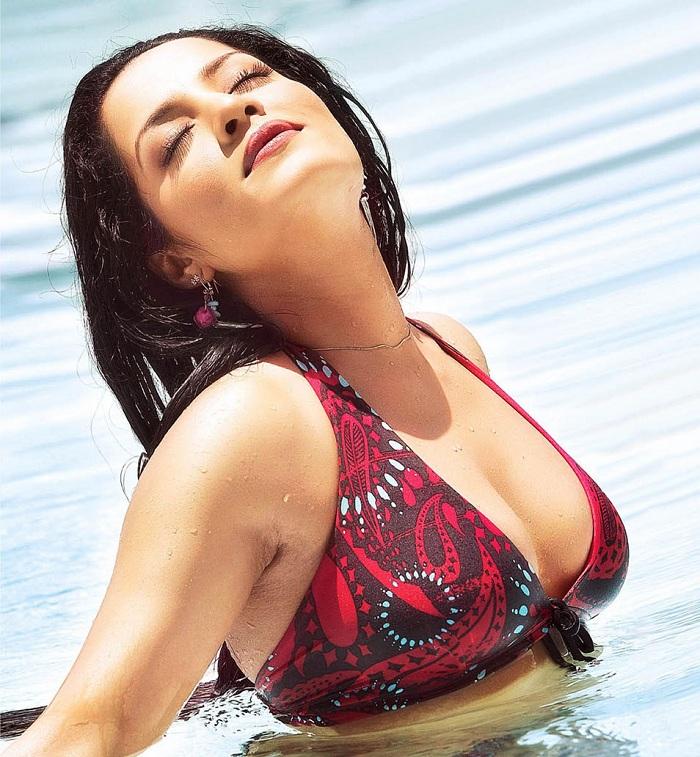 Celina Jaitley Sexy Spicy Pics For U - Hottest Pics -5895