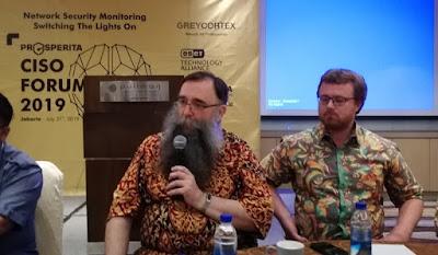 Vladimir Sedlacek, Chief Technology Officer (CTO) Greycortex dan Pavel, Sales Director GreyCortex