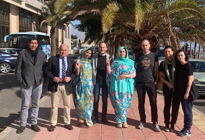 Marruecos retiene y posteriormente expulsa del Sáhara Occidental a 4 parlamentarios vascos y una cooperante