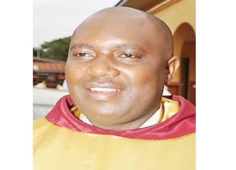 Robbers ask for forgiveness as they attack priest