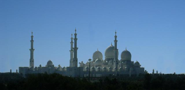 La Gran Mezquita Blanca de Sheikh Zayed, en Abu Dabi