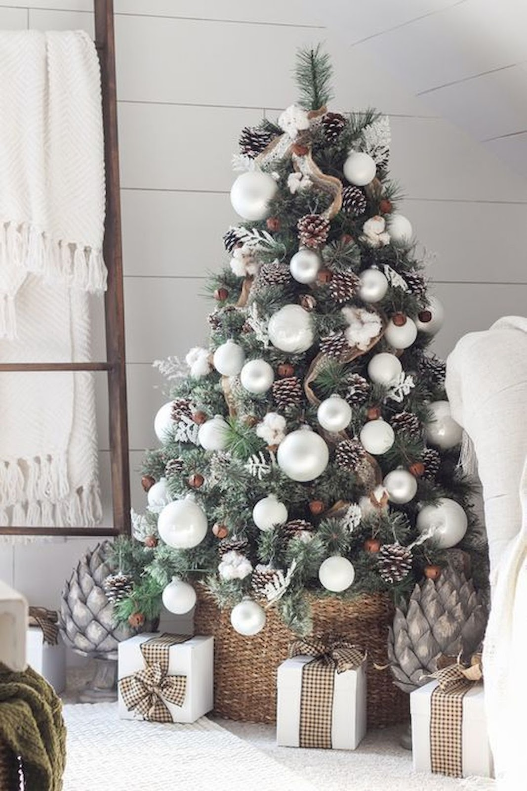 Christmas Tree Decoration Ideas to Bring Holiday Cheer to Your Home
