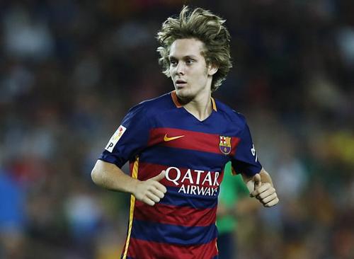 Cựu sao Barca theo Văn Hậu tới Heerenveen ở ngày cuối 2