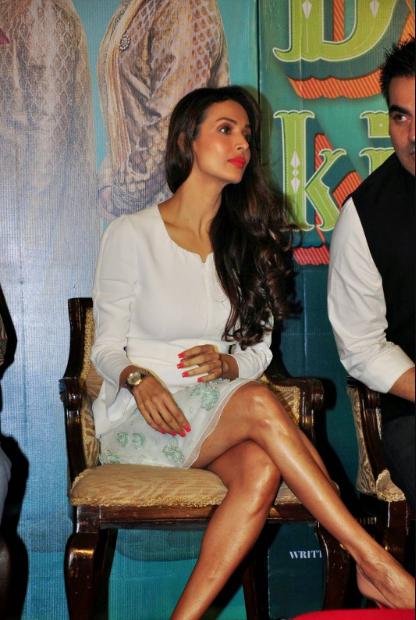 Malaika Arora Khan's sexy figure at fashion event + other HQ pics