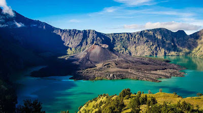 7 Mountain with views of the most beautiful in Indonesia