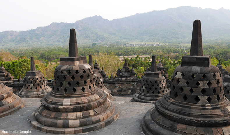 Euriental | fashion & luxury travel | 2 Days in Central Java, Borobudur temple