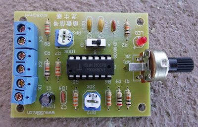 Gerador de funções com o CI ICL8038 montado