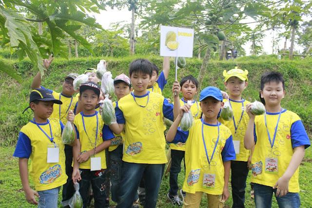 Dokumentasi PPL SD Kristen Kalam Kudus Surakarta 2017 di Agro Center Hortimart