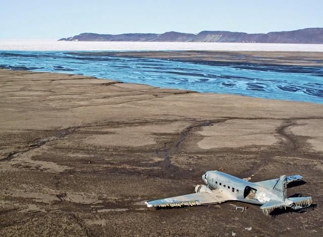 avión abandonado C-47 Canadá