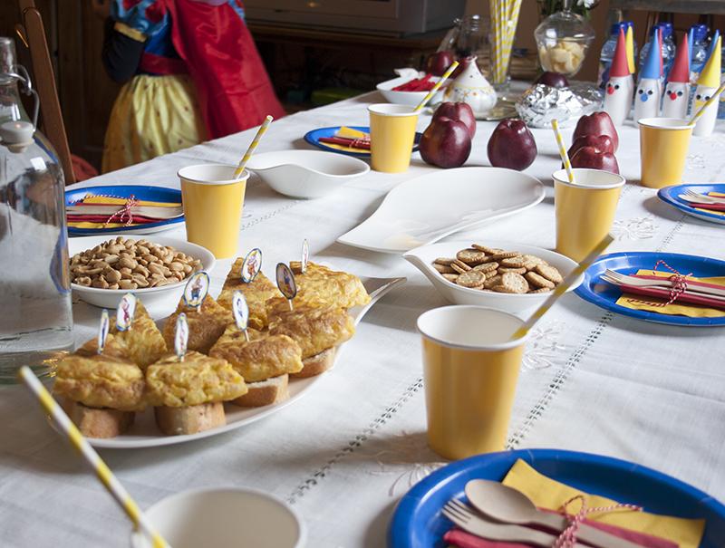 Decorar en familia: Merienda de cumpleaños temática Blancanieves10