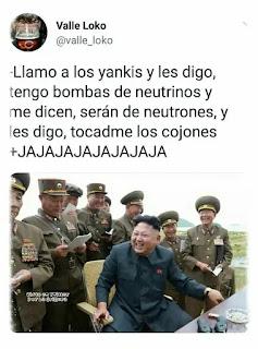 Kim Jong-un y sus generales en una reunión