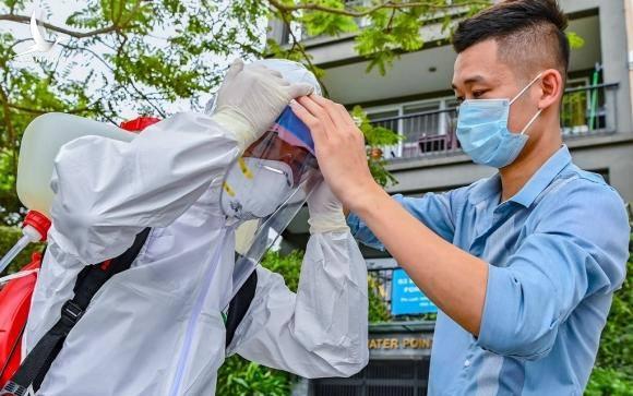 89 nhân viên y tế bị cách ly vì tiếp xúc ca bệnh 237
