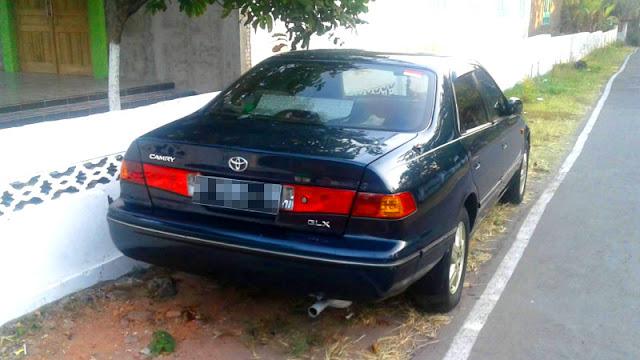 Toyota Camry Grande GLX XV20 belakang