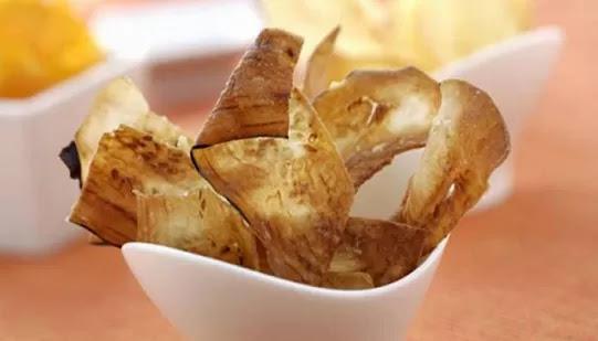 Chips di melanzane, ricetta per uno sfizioso finger food al forno