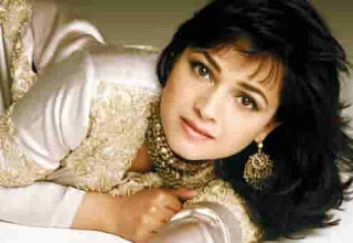 Artis-Penyanyi-Wanita-Bollywood-Alisha-Chinoy