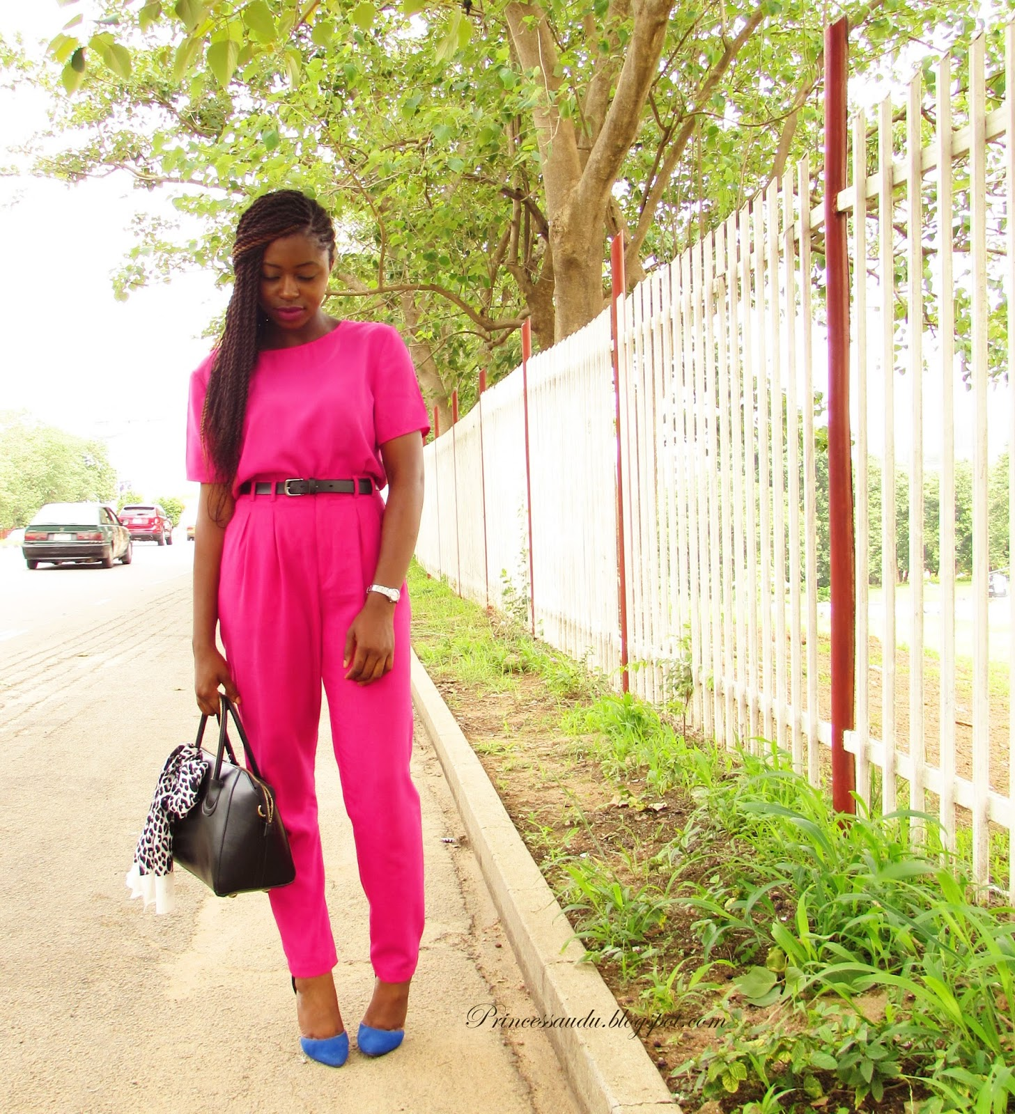 pink, colour blocking, pop of colour