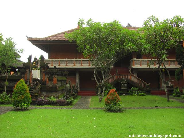 Музей Бали в Денпасаре