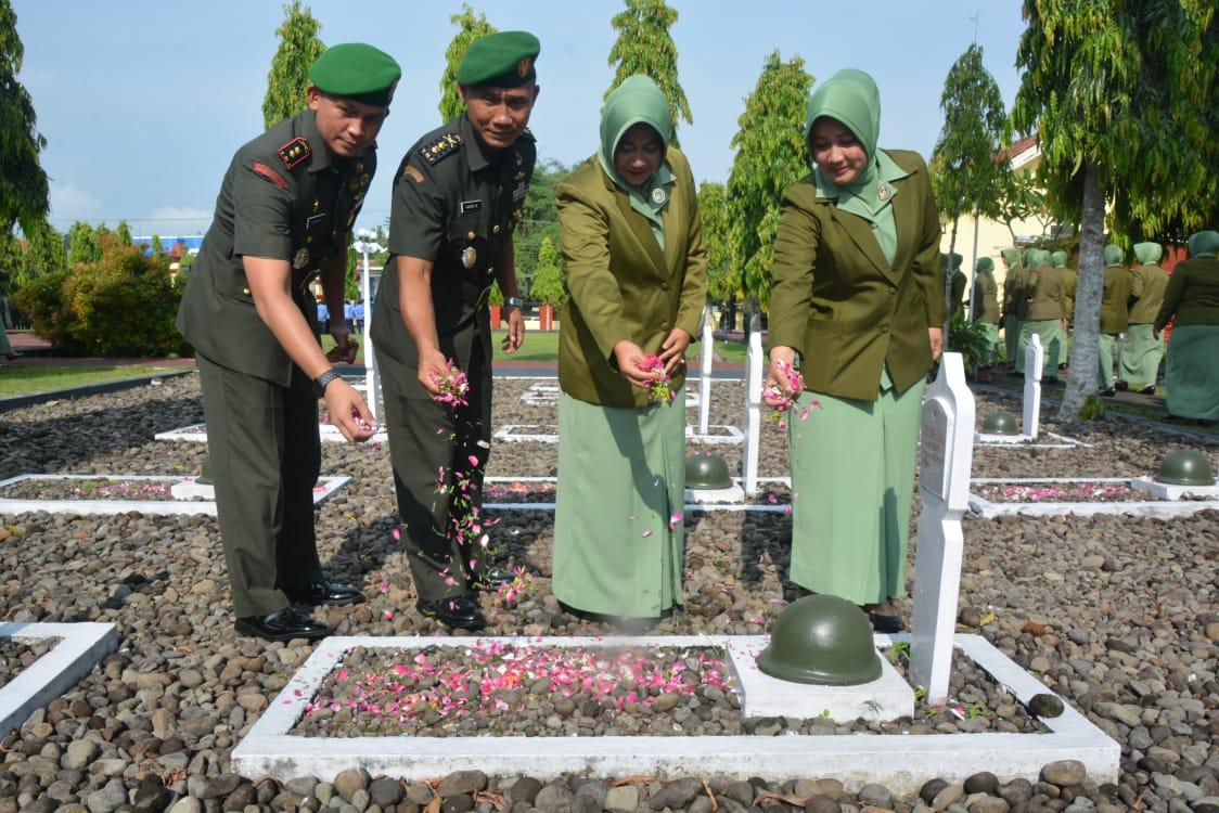 Kasrem 071/Wijayakusuma Pimpin Ziarah Hari Juang TNI AD Tahun 2019