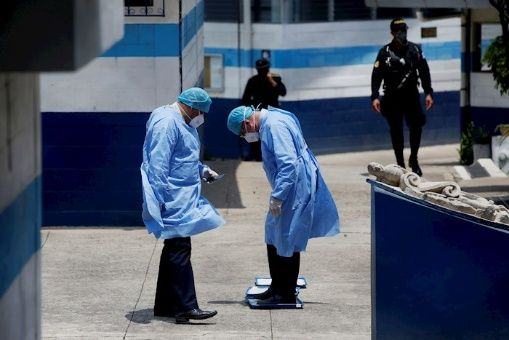 Colapsan hospitales en Guatemala ante crisis por Covid-19