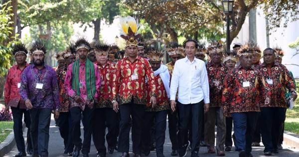 Seharusnya yang Diundang Jokowi Perwakilan 7 Wilayah Adat Papua