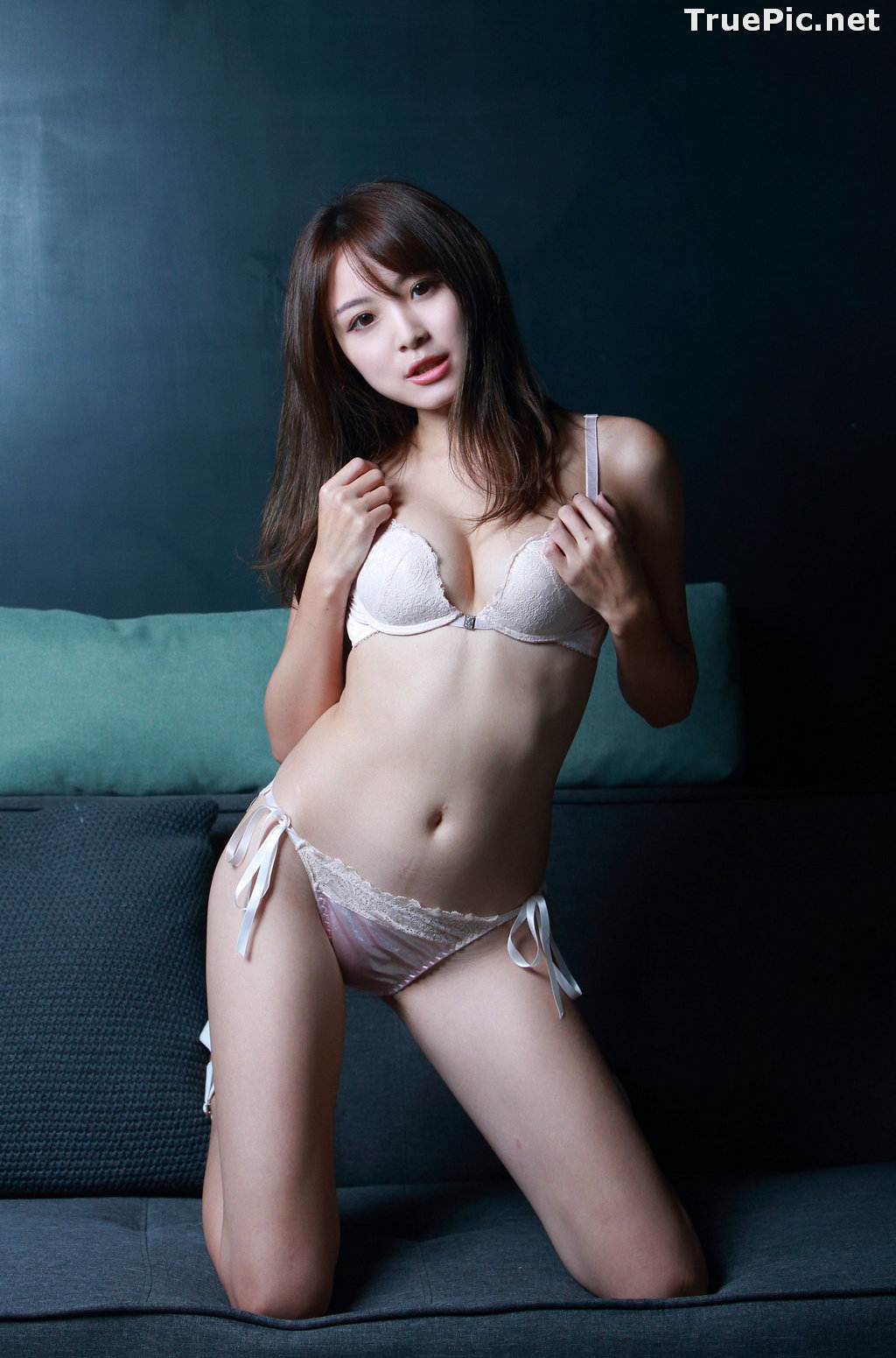 Image Taiwanese Model - Ash Ley - Sexy Girl and White Lingerie - TruePic.net - Picture-3