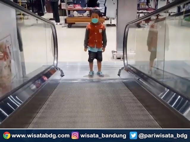 Aturan Baru PPKM Jawa - Bali, Anak Usia di Bawah 12 Tahun Boleh Masuk Mal