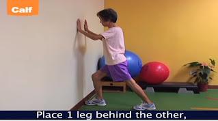 latihan calf muscle dengan mendorong