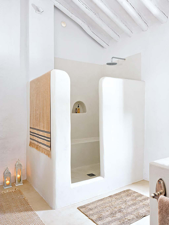 Modern country bathroom via Micasa