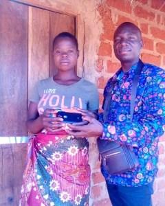 """Irmão Mbalua faz entrega do telemóvel a moça do vídeo """"Culpado"""""""