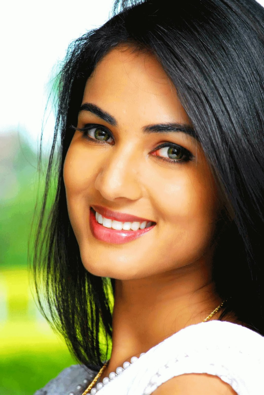 All new wallpaper : Sonal Chauhan HD Wallpapers Free Download