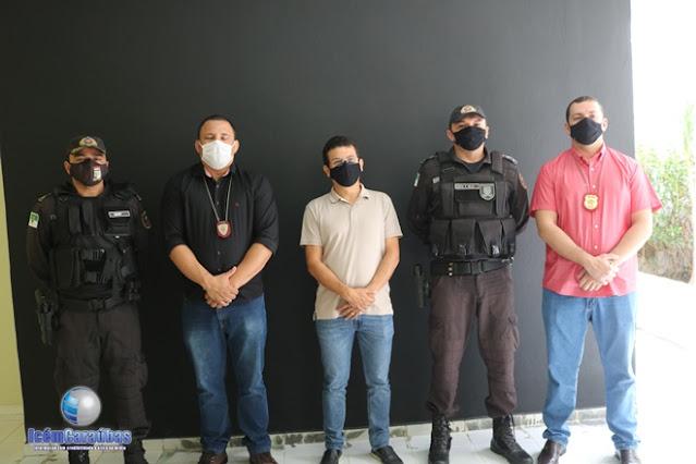 Prefeito Juninho Alves se reúne com órgãos da Segurança Pública para discutir ações que serão executadas no Lockdow em Caraúbas