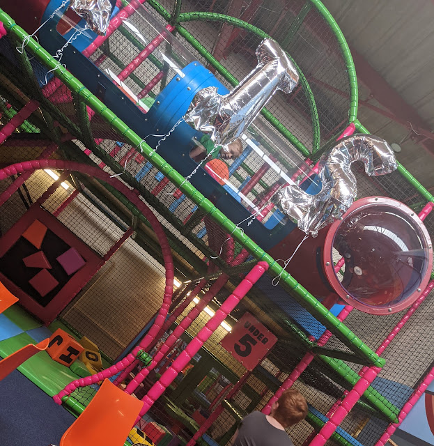 CJ's Funhouse   Cramlington Soft Play Review - under 5s area